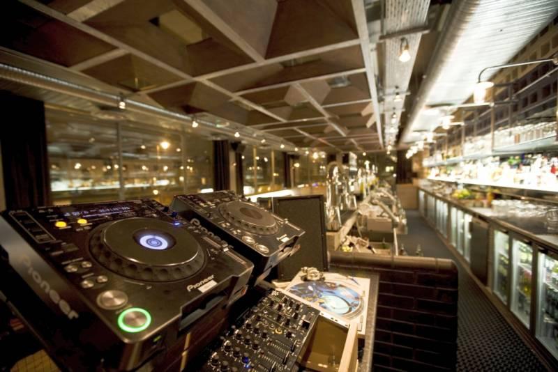 nightclub acoustic design